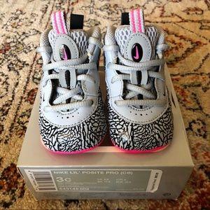 Nike Shoes - Nike Lil' Posite Pro